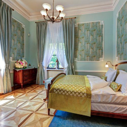 Klasyczna sypialnia dla dwojga