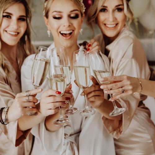 Wspólny kieliszek szampana