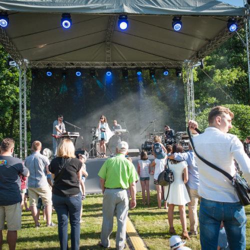 Koncert w Parku Pałacu rozalin