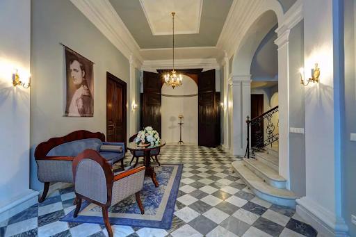 wnętrze Pałacu Rozalin